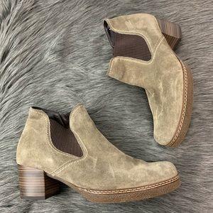 Gabor | Grey Suede Chelsea Booties Size 9